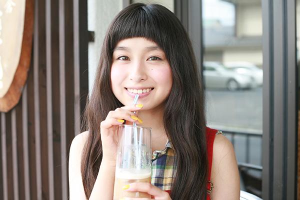 中高生から人気の可愛いトミタ栞♡ブレイク芸人「ブルゾンちえみ」と代々木公園ピクニック♪