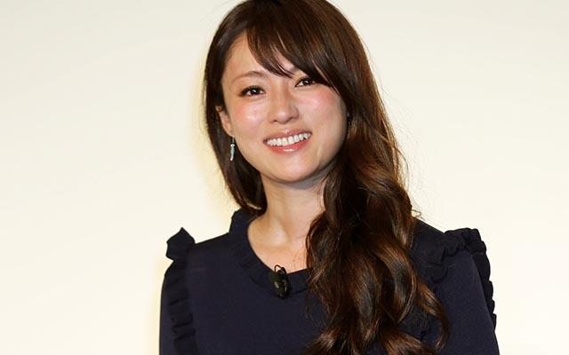 ドラマ「隣の家族は青く見える」に主演の深田恭子♡VOCE「2017年最も美しい顔」に選ばれる♪セクシーな新作写真集が気になる?!今の噂の彼は?