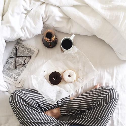 なんだか毎朝起きるとだるい?疲れてるかも。それは夏疲れ習慣のせいかも?!原因を知って改善したい!