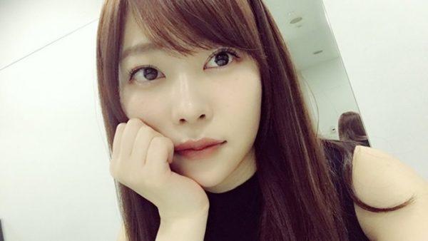 HKT48卒業の指原莉乃!顔は矯正だった?!美脚すぎる画像をチェック!